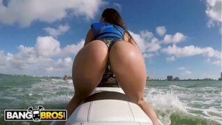 Foda brasil transando com a gata em alto mar